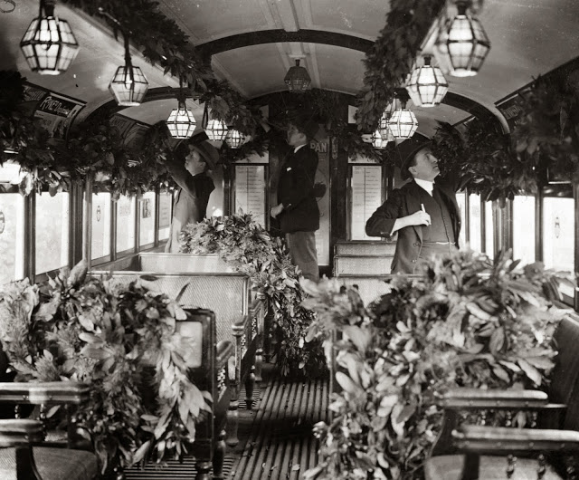 Christmas on the Tube 1922